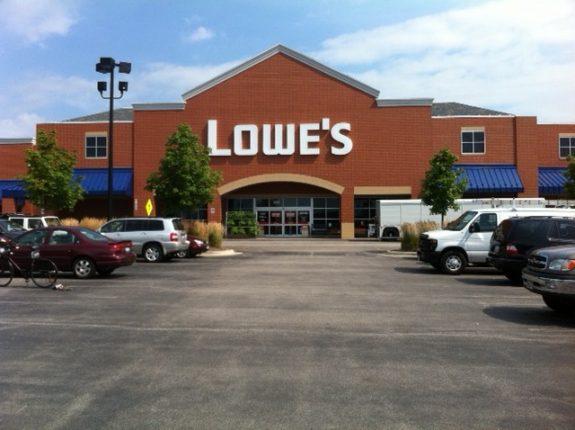 Lowe's Glenview IL - photo by Soheyla Kovach