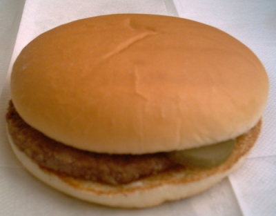 McDonald's_Hamburger_wikimedia commons