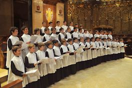 choir-escolania_de_montserrat-credit-wmc-posted-cutting-edge-blog-mhpronews-com-264x176pxls-1.jpg