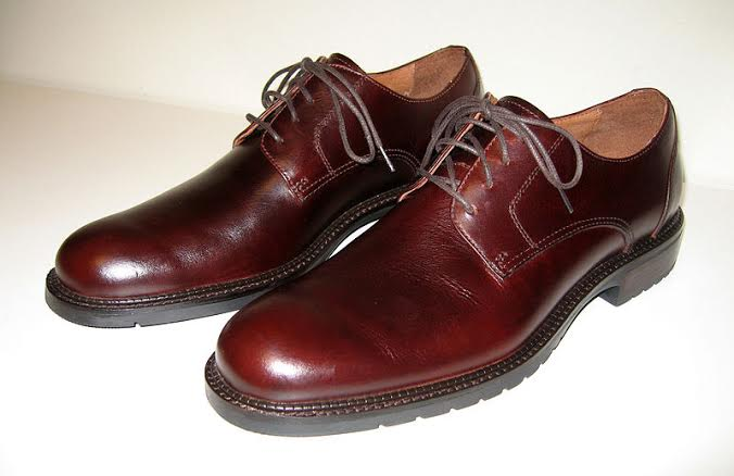 mens_brown_derby_leather_shoes-wiki-commons-posted-cutting-edge-marketing-sales-blog-mhpronews-com