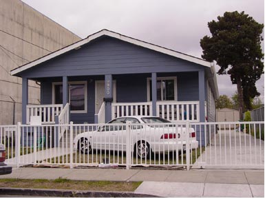 Multi-section Single-family HUD-Code Home, Oakland, California