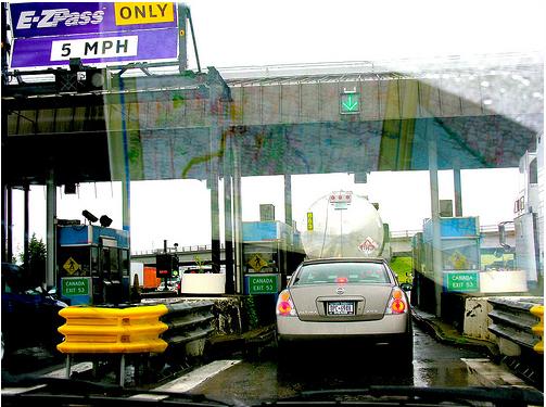 Buffalo NY toll booths, jacobenos2010-06-06_1906