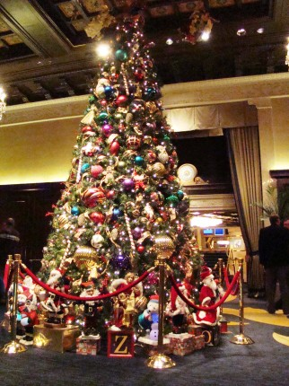 Christmas Tree in Drake Hotel, PEAK Manufactured Housing Retailer National Summit, Posted on MHProNews.com