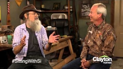 sitting-with-si-robertson-duck-dynasty-kevin-clayton-homes-posted-daily-business-news-mhpronews-com-