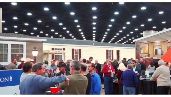 2014-louisville-manufactured-housing-show-crowd-photo-credits-mhpronews-manufacturedhomes-com-