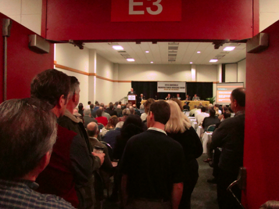 standing-room-only-2014-louisville-manufactured-housing-show-seminar-room-masthead-blog-mhpronews-com--575x430