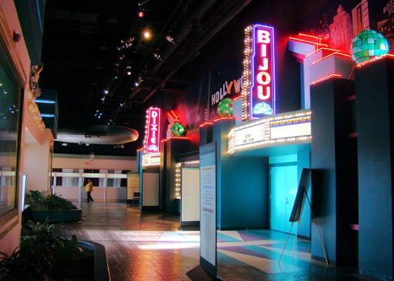 Exhibit-Hall-Registration-Area-2015-Tunica-Manufactured-Housing-Show-mhpronews-com-2