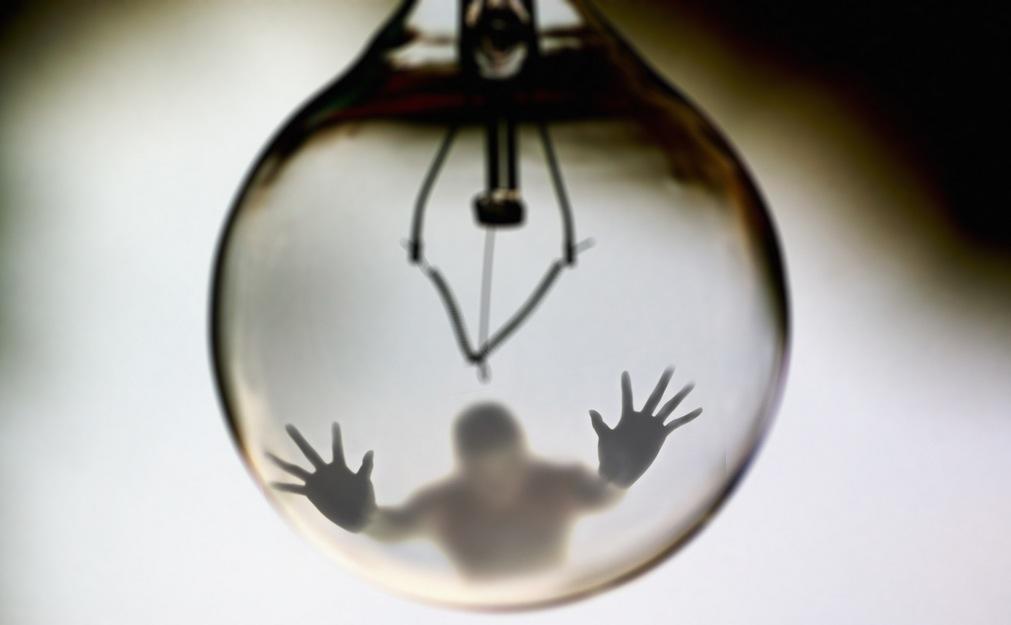 light-bulb-off-man-trapped-thinking-credit=flickercc-swarno-posted-masthead-blog-mhpronews-com