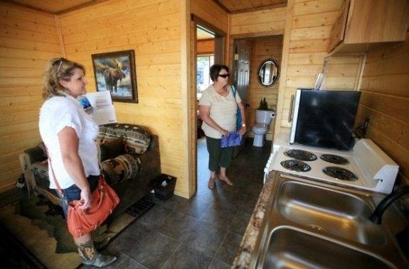 mod mancamp cabin    williston    kari andren and mary pipla   casy page credit